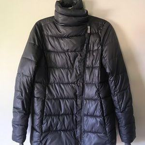 GapFit Asymmetrical puffer jacket